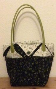 Mønstret er fra AnnaKa i Norge, det er 1 stort kvadrat, der er formet til en taske, der er 4 små lommer indvendigt